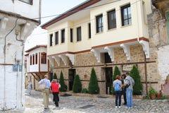 Straat in oud Kastoria, Griekenland Stock Fotografie