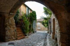 Straat in oude Grambois, de Provence Royalty-vrije Stock Afbeeldingen