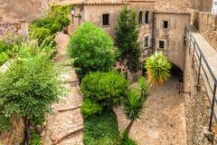 Straat in oude stad van Tossa de Mar, Costa Brava Royalty-vrije Stock Fotografie