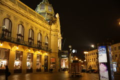 Straat Praag bij nacht Stock Afbeelding