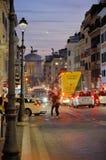 Straat in Rome in de avond stock afbeelding