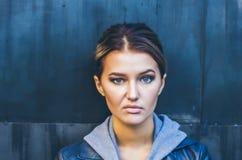 Straat` s portretten van tiener royalty-vrije stock afbeelding
