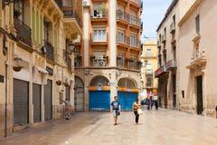 Straat in Spaanse stad Alicante, Spanje Royalty-vrije Stock Fotografie