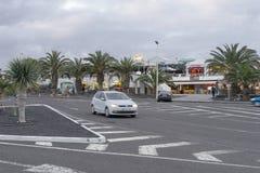 Straat in Teguise, Lanzarotte Stock Afbeeldingen
