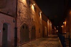 Straat van de oude stad bij nacht Stock Fotografie