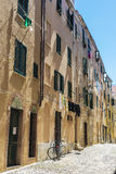 Straat van de oude stad van Alghero, Sardinige, Italië stock fotografie
