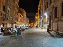 Straat van het Joodse 's nachts Kwart van Rome Stock Foto's