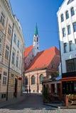 Straat van oud Riga. Letland Stock Afbeeldingen