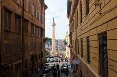 Straat van Rome met de obelisk op de achtergrond Royalty-vrije Stock Fotografie