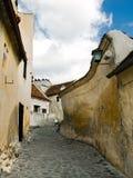 Straat in vesting in Transsylvanië (Roemenië) stock afbeelding