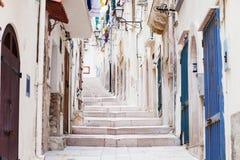 Straat in Vieste, Puglia, Italië Royalty-vrije Stock Afbeelding