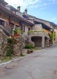 Straat in Yvoire stock afbeeldingen