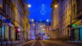 Straat in Zagreb in Kerstmistijd bij schemer Royalty-vrije Stock Fotografie