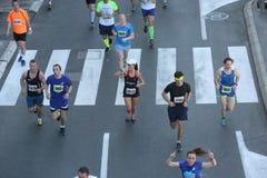 Straatagenten bij de 29ste marathon van Belgrado Stock Fotografie