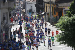 Straatagenten bij de 29ste marathon van Belgrado Stock Foto's