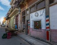 Straatfoto van Havana, Cuba Landbouwer het verkopen vruchten in Habana royalty-vrije stock fotografie