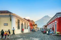 Straatfotografie op de hoofdweggen van Antigua, Guatemala royalty-vrije stock afbeelding