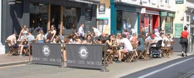 Straatkoffie in Brighton royalty-vrije stock afbeelding