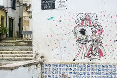 Straatkunst in Alfama-district in Lissabon royalty-vrije stock afbeelding