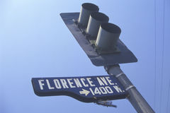 Straatlantaarn in Florence Avenue, Zuid- Centraal Los Angeles, Californië Royalty-vrije Stock Foto's