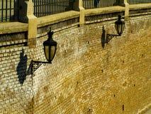 Straatlantaarns in sibiu baksteentextuur Royalty-vrije Stock Afbeelding