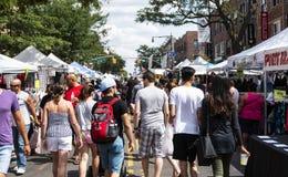 Straatmarkt in Astoria-Queens door 37ste Straat stock afbeelding