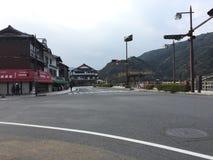 Straatmening tegenover de Brug van Kantaikyo Kantai, Iwakuni, Yamaguchi, Japan royalty-vrije stock afbeeldingen