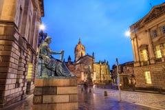 Straatmening van de historische Koninklijke Mijl, Edinburgh royalty-vrije stock foto