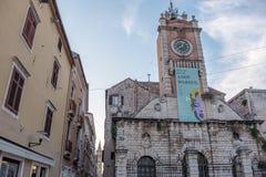 Straatmening van de oude stad van Zadar Kroatië stock afbeelding