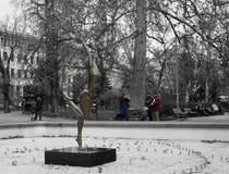 Straatmusici, die in het park spelen royalty-vrije stock afbeelding