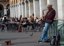 Straatmusicus die in Massena-vierkant, Nice, Frankrijk presteren Royalty-vrije Stock Foto