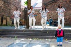 Straatmuzikanten die in historische stad van York, Engeland presteren Stock Foto