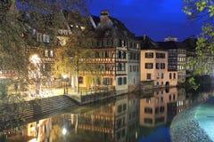 Straatsburg bij Nacht Stock Foto
