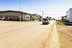 Straatscène in Inuvik, Noordwestengebieden Royalty-vrije Stock Afbeeldingen
