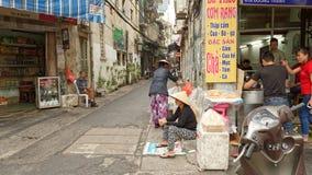 Straatscène in stad van Hanoi stock afbeelding