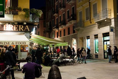 Straatscène van Brera, Milaan, Italië Stock Fotografie