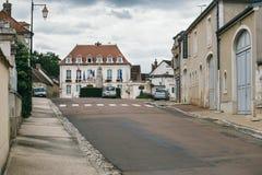 Straatstad van Chablis stock afbeeldingen