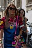 Straatstijl tijdens Milan Fashion Week voor de Lente van/de Zomer van 2015 Royalty-vrije Stock Fotografie