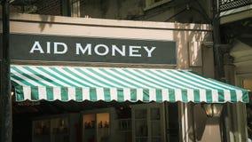 Straatteken aan Hulpgeld royalty-vrije stock afbeeldingen