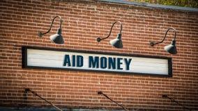 Straatteken aan Hulpgeld stock afbeeldingen