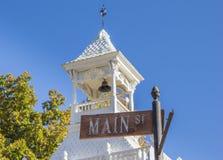 Straatteken voor firehouse van Nevada City Stock Foto's