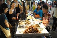 Straatventer in Bangkok stock foto's