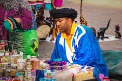Straatverkoper Het vierkant van Djemagr Fna marrakech marokko Royalty-vrije Stock Foto's