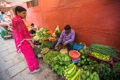 Straatverkoper van groen en groenten Royalty-vrije Stock Afbeelding