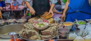 Straatvoedsel in de stad van China, Bangkok, Thailnad Stock Foto