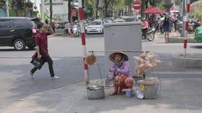 Straatvoedsel in Vietnam stock videobeelden