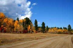 Strada ad ovest della montagna Immagini Stock