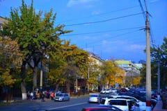 Strada affollata di Almaty Fotografia Stock