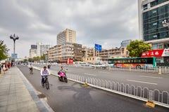 Strada affollata a Kunming del centro Fotografia Stock