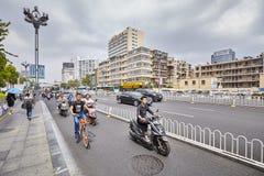 Strada affollata a Kunming del centro Immagine Stock